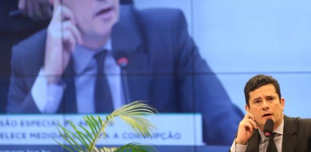 """Moro diz considerar que Mantega não oferece riscos para a """"colheita das provas"""""""