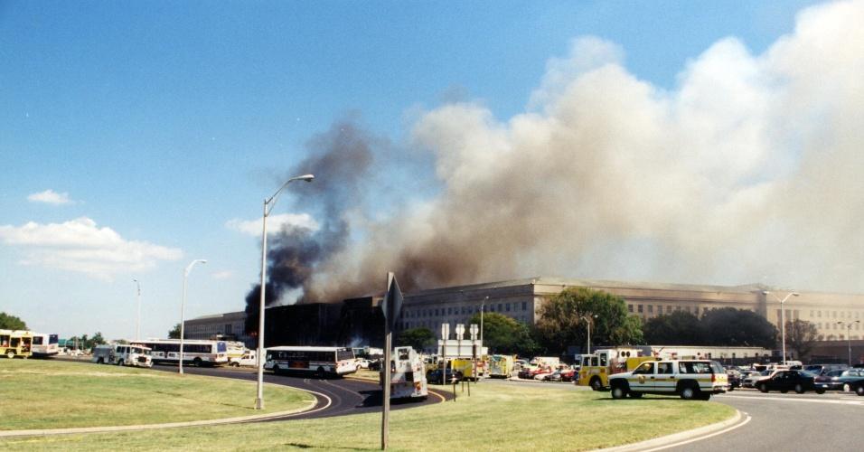 11.set.2001 - O FBI divulgou na quinta-feira (30) novas fotos das investigações do ataque de 11 de Setembro de 2011 contra o prédio do Pentágono, em Washington DC. Nas imagens, é possível ver a destruição causada pelo avião da American Airlines, que foi lançado por terroristas da Al-Qaeda contra ao edifício há 16 anos. A queda do voo 177 deixou 125 mortos. O atentado foi realizado após o World Trade Center ser atingido por outros dois aviões.