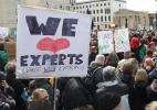 Milhares de cientistas protestam em Washington contra cortes de Trump - Getty