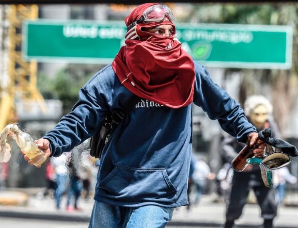 Venezuela vive mais de três meses de violentos protestos contra Maduro