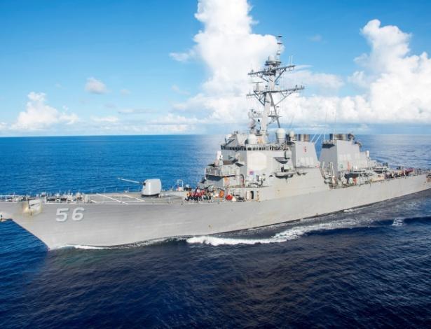 Navio militar USS John S. McCain, o destróier envolvido no acidente, em foto de arquivo