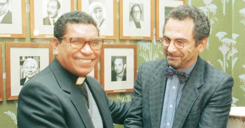 1996 - Carlos Filipe Ximenes Belo e José Ramos-Horta (Timor Leste) - Premiados pelo trabalho em busca de uma solução justa e pacífica para o conflito em Timor-Leste