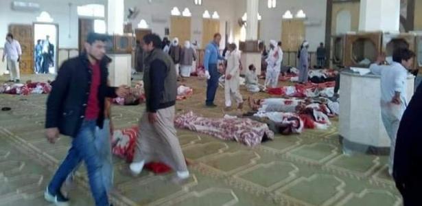 24.nov.2017 - Imagem no Twitter mostra vítimas do ataque em mesquita no Egito