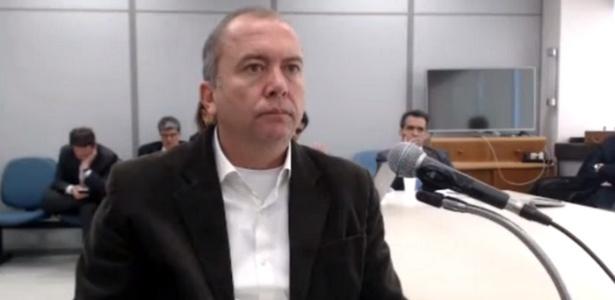 Carlos Miranda é interrogado pelo juiz Sergio Moro em ação penal na 13ª Vara Federal Criminal (PR), em abril do ano passado - Reprodução