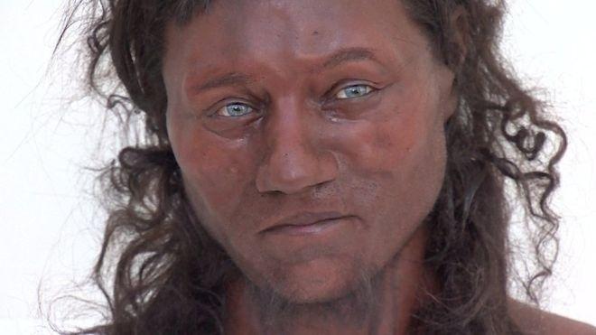 Com base nos dados, cientistas reconstruíram o que acreditam ter sido o rosto do Homem de Cheddar