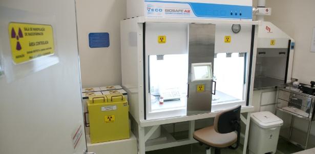 Sala de manipulação de radiofármacos no Instituto do Câncer de São Paulo: insumos hoje em dia são importados - Cesar Itibere/PR