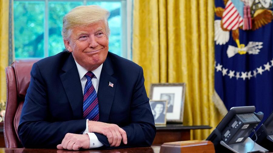 O presidente dos Estados Unidos, Donald Trump, durante conversa telefônica com o presidente do México, Enrique Pena Nieto - Kevin Lamarque/Reuters