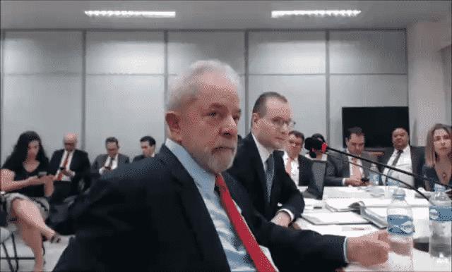 14.nov.2018 - O ex-presidente Lula é interrogado no processo da Lava Jato sobre o sítio de Atibaia - Reprodução/Justiça Federal do Paraná