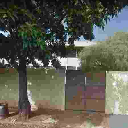 Fachada da Escola Estadual Professor Fernando de Campos Rosas, em Cravinhos (SP), onde teria ocorrido a agressão - Reprodução/Google Street View