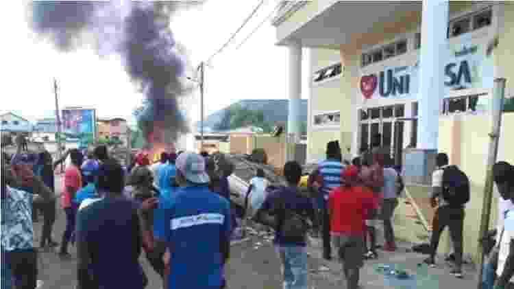 Repressão policial a revolta contra a Universal em São Tomé e Príncipe causou a morte de um adolescente - Reprodução - Reprodução