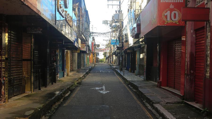 Lojas fechadas na região de comércio de Belém, no Pará, durante pandemia do novo coronavírus - Tarso Sarraf / Estadão Conteúdo