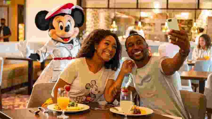Primeiro dia de reabertura do Walt Disney World em Orlando, na Flórida; personagens devem manter distância dos visitantes - Matt Stroshane/Walt Disney World Resort via Getty Images