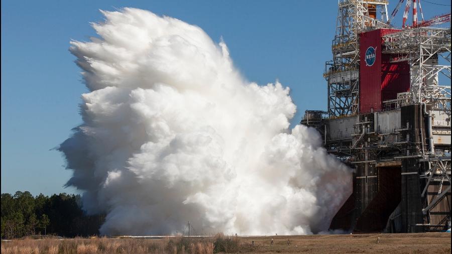 Teste do foguete Space Launch System (SLS), nesta quinta-feira (18) - NASA/Divulgação
