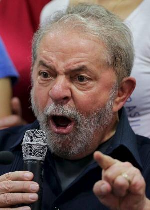 Por decisão do juiz Sérgio Moro, o ex-presidente foi obrigado a depor à Polícia Federal, no último dia 4