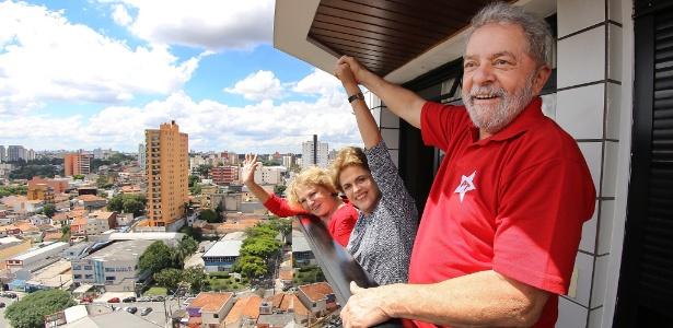 Dilma (centro) viajou a São Bernardo para se encontrar com Lula após o petista prestar depoimento à Lava Jato