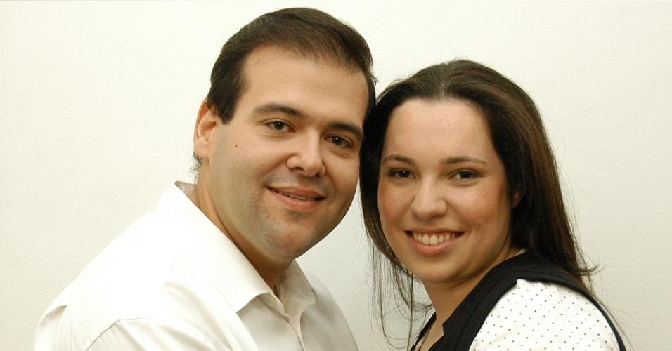 O casal evangélico João e Lidia Ribeiro é dono de sex shop e fatura com o mercado erótico