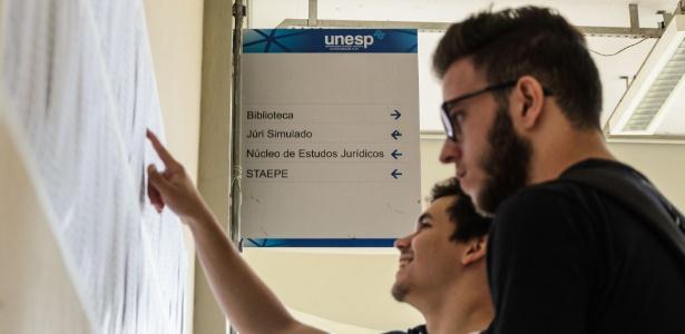 Estudantes participam do vestibular da Universidade Estadual Paulista (Unesp)