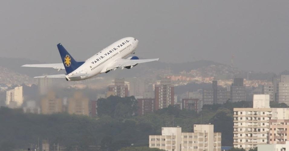Aeronave da Varig levanta voo do aeroporto de Congonhas, em 2006
