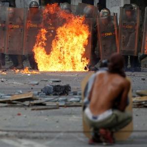 Venezuela vive momento conturbado com protestos diários - Carlos Garcia Rawlins/Reuters