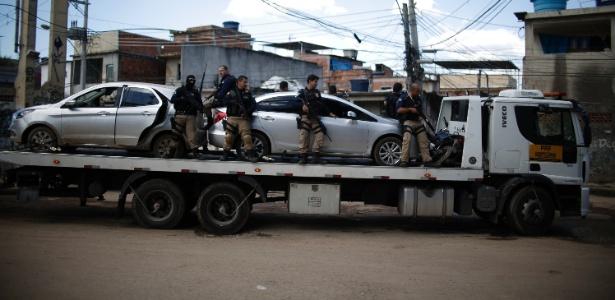 01.ago.2017 - Operação da Polícia Rodoviária Federal na comunidade do Dique