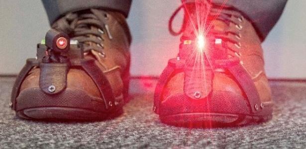 Laser no sapato pode ajudar pessoas com mal de Parkinson a caminhar melhor - Divulgação/Universidade de Twente