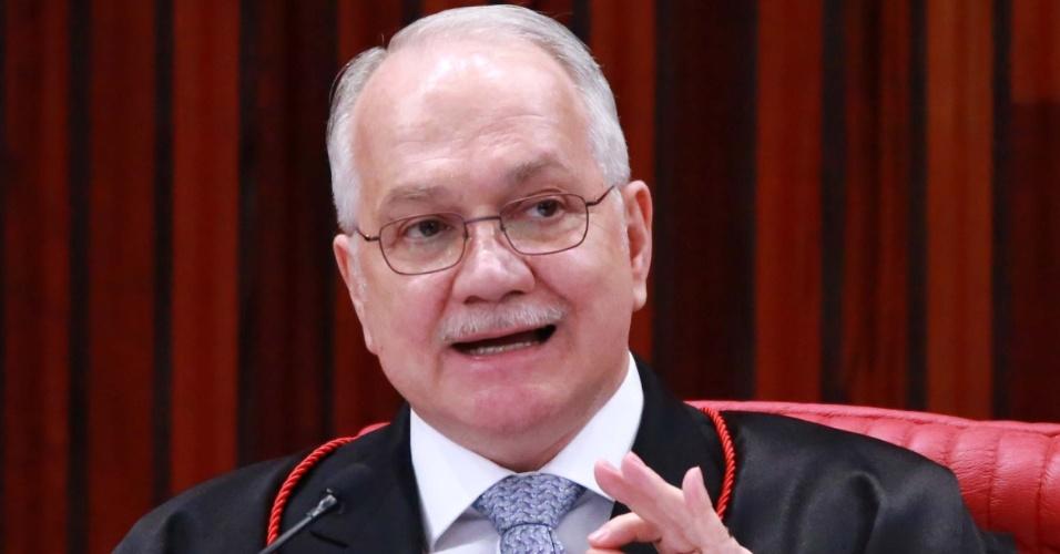 Alega que Moro foi parcial   Fachin manda pedido de soltura de Lula para 2ª Turma do Supremo