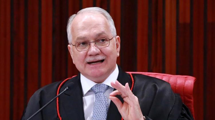 Discussão no Judiciário | TSE resiste à proposta de Fachin de punir abuso de poder religioso