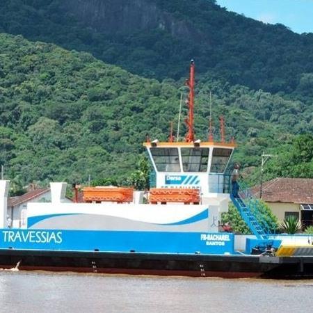Imagem de uma das balsas usadas pela Dersa para fazer a travessia entre Guarujá (SP) e Bertioga (SP) - Divulgação/Dersa