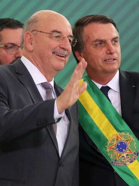 1º.jan.2018 - O presidente da República, Jair Bolsonaro, e Osmar Terra, quando da posse do hoje deputado como ministro da Cidadania - Fátima Meira/Futura Press/Futura Press/Estadão Conteúdo