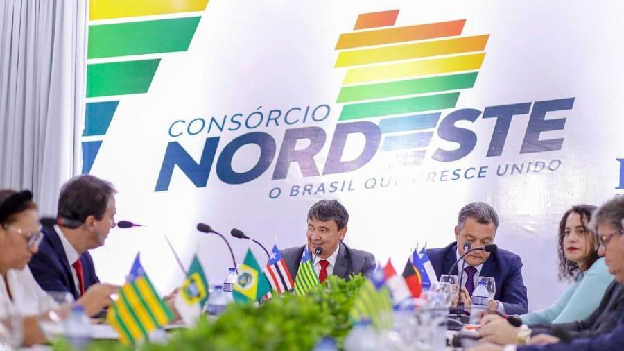 Governadores na reunião do Consórcio Nordeste, ocorrida na quarta-feira (21), em Teresina (PI) - Roberta Aline/Governo do Piauí