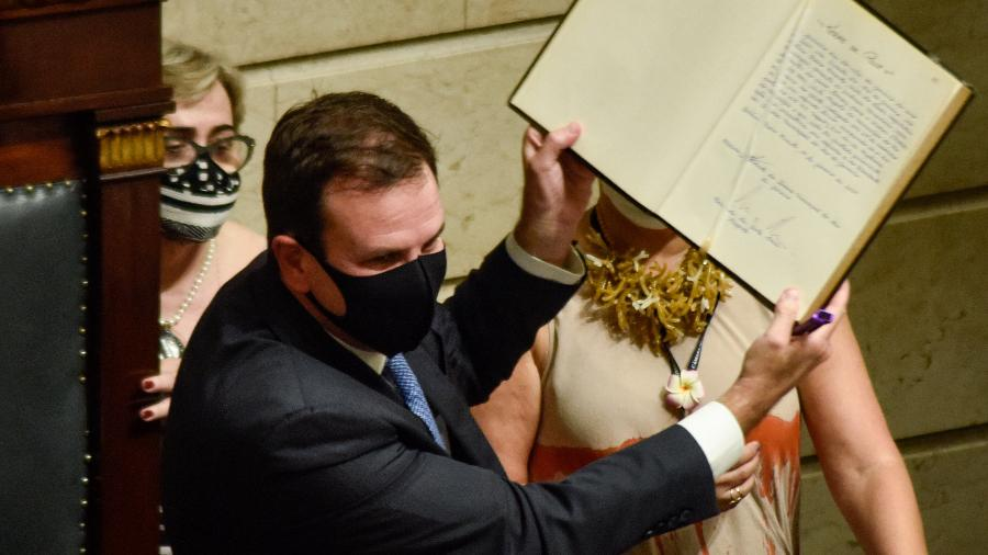 1º.jan.2021 - Eduardo Paes (DEM) toma posse como prefeito do Rio de Janeiro em cerimônia realizada na Câmara Municipal - Vanessa Ataliba/Zimel Press/Estadão Conteúdo