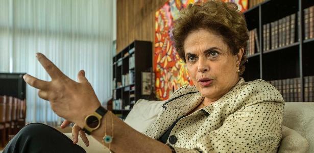 A presidente afastada Dilma Rousseff durante entrevista no Palácio do Alvorada