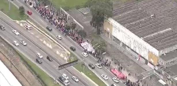 SP: marginal Pinheiros liberada após protesto na altura da ponte do Socorro - Reprodução/Band News