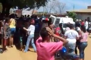 Imagem mostra drama de moradores na porta da creche