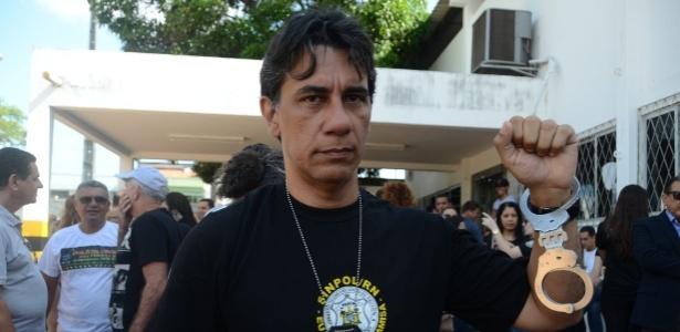 Nilton Arruda, presidente do Sindicato dos Policiais Civis do Rio Grande do Norte. Ele e outros policiais civis se recusaram a trabalhar e se entregaram na manhã desta quarta-feira, na sede da Polícia Civil, em Natal