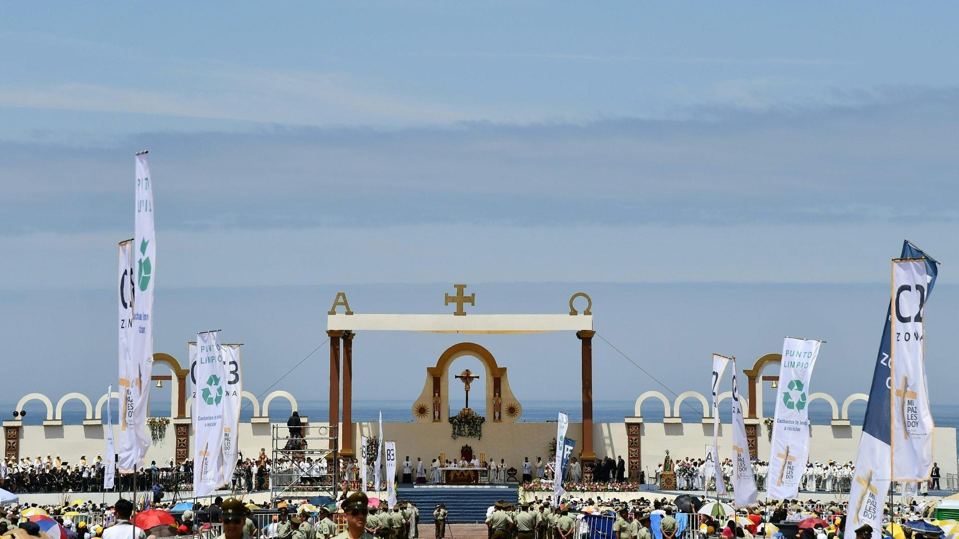 Vista da praia Lobitos, em Iquique, onde o papa celebrou uma missa ao ar 21ec5526ae
