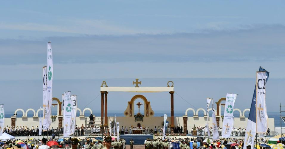 Vista da praia Lobitos, em Iquique, onde o papa celebrou uma missa ao ar livre