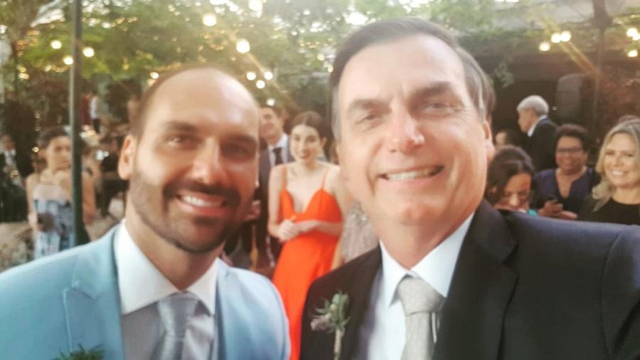 Jair Bolsonaro posta selfie em casamento do filho  - Reprodução/Twitter