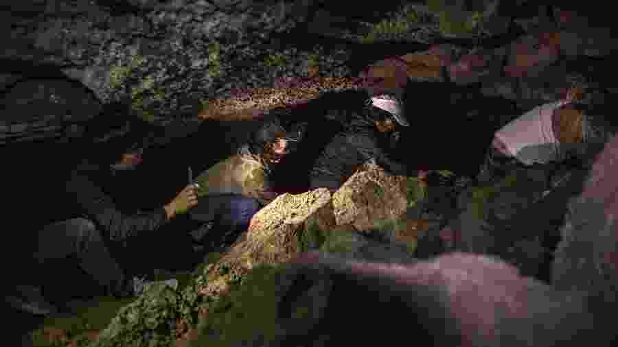 Turistas exploram caverna na ilha Jeju, na Coreia do Sul - Woohae Cho/The New York Times