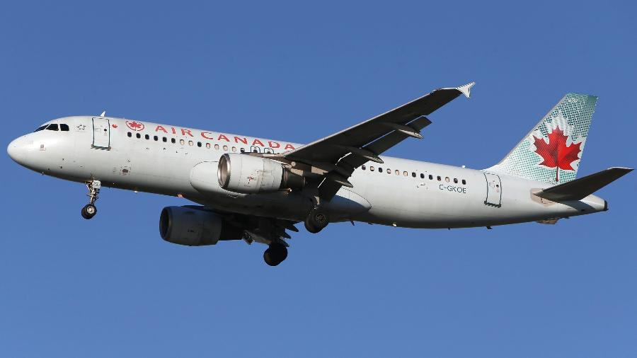 5.fev.2019 - Avião da companhia Air Canada se prepara para pousar no aeroporto internacional de Vancouver - Ben Nelms/Reuters