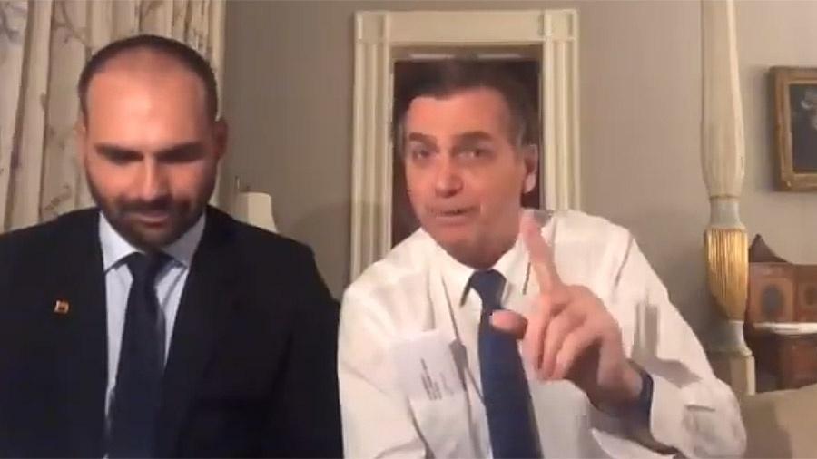 Quadro do Fantástico faz paródia com Jair e Eduardo Bolsonaro - Reprodução/TV Globo