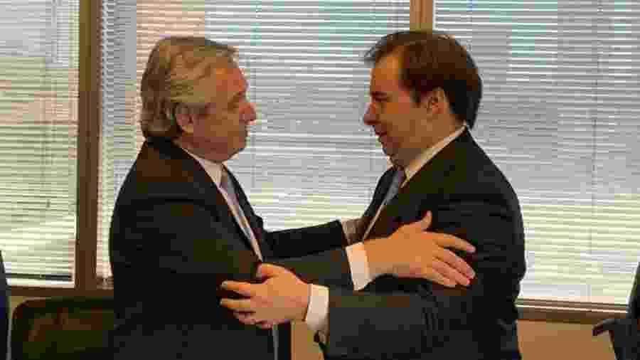 05.dez.2019 - Rodrigo Maia com Alberto Fernandez, presidente eleito da Argentina - Divulgação