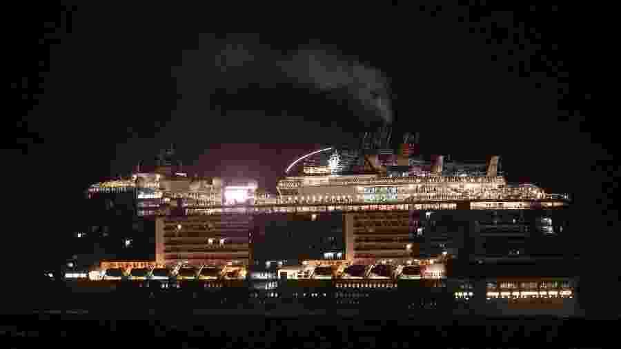 27.fev.220 - O navio italiano MSC Meraviglia aguarda permissão para atracar no porto de Punta Langosta, no México, após receber duas negativas devido ao medo de transmissão do novo coronavírus. 4500 passageiros estão a bordo - Florent Serfari/Reuters