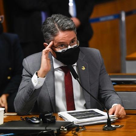 14.jul.2021 - O senador Alessandro Vieira (Cidadania-SE), durante sessão da CPI da Covid - Jefferson Rudy/Agência Senado