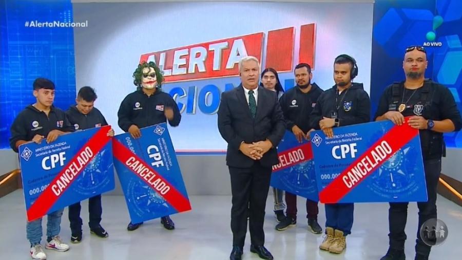 """Sikêra Jr. comentou a greve de radialistas da RedeTV!: """"Olha, tem muita gente desempregada querendo tomar o seu lugar"""" - Reprodução"""