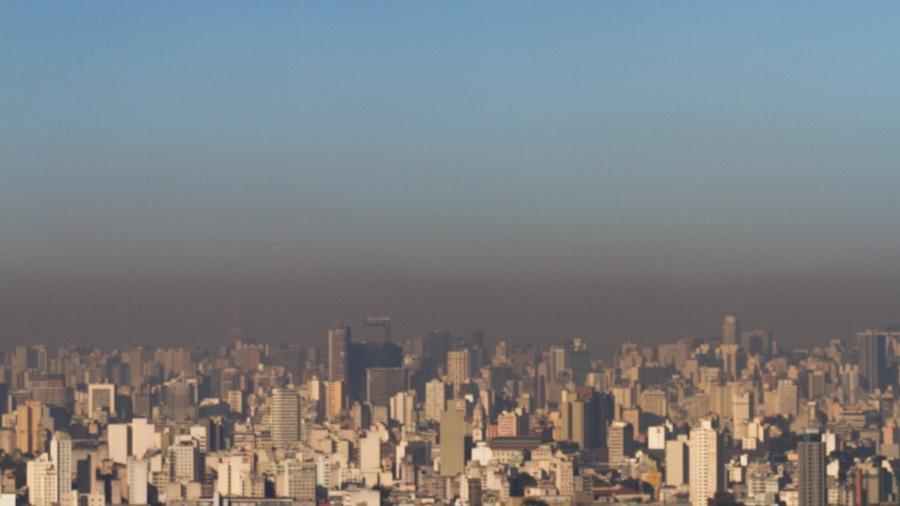 Poluição encobre o céu da cidade de São Paulo - Dario Oliveira/Código 19/Estadão Conteúdo