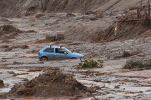 Lama composta por rejeitos de minério invadiu a região de Mariana no dia 5 de novembro