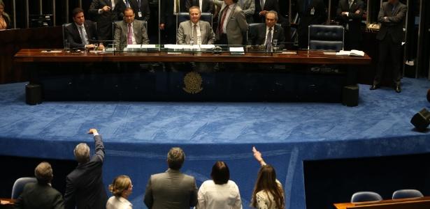 Presidente do Senado, Renan Calheiros, anunciou que votação de quarta-feira está mantida apesar de reviravoltas