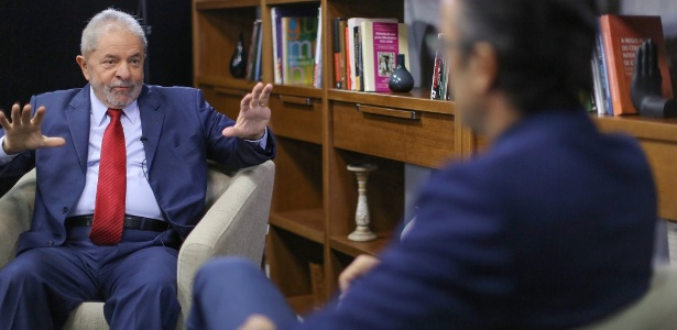 O ex-presidente Lula, durante entrevista a um jornalista estrangeiro