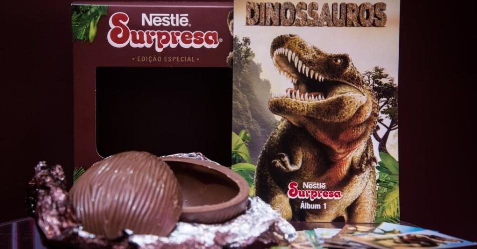 A Nestlé trouxe de volta o chocolate Surpresa, que fez sucesso nos anos 80 e 90, agora em formato de ovo. O produto tem 150g e vem com um álbum de figurinhas colecionáveis sobre dinossauros. O preço sugerido é de R$ 49